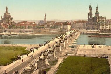 Una imagen en color de Dresde en 1900, cuando ya era una de las capitales culturales de Europa
