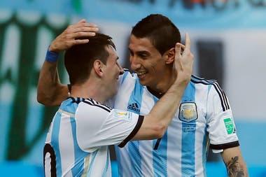 Di Maria junto a Messi en la selección, en un partido del Mundial de Brasil 2014