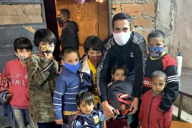 Marcone ayudó en los barrios carenciados durante la cuarentena