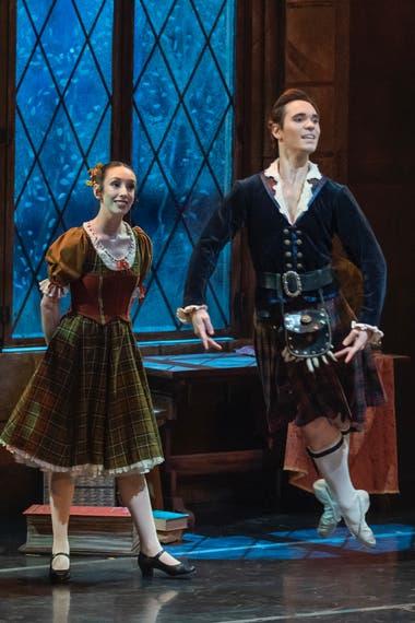 """Emmanuel Vázquez en """"La Sylphide"""": lleva diez años en el Ballet de Santiago, donde es una de las figuras principales; este sábado se lo podrá ver en la gala virtual y solidaria """"Bailarines argentinos por el mundo"""""""