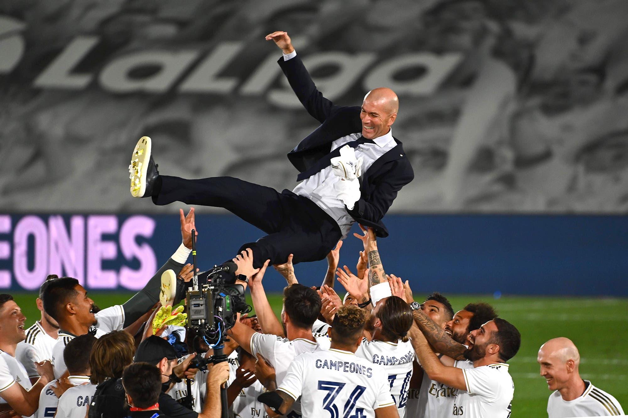 Zinedine Zidane: la innovación táctica para ganar la Liga de España con Real Madrid y sus dos jugadores clave