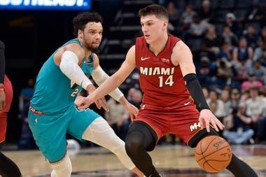 Tyler Herro, base de Miami Heat, se vio obligado a practicar en la calle