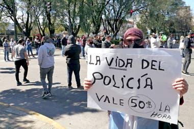 Las protestas de policías y familiares de uniformados
