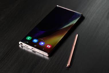 El Galaxy Note20 Ultra tiene una pantalla de 69 pulgadas con una tasa de refresco variable que llega a 120 Hz