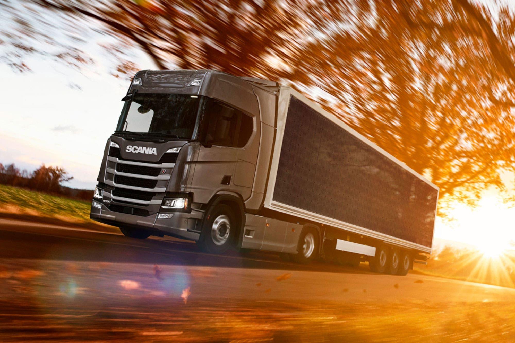 Camión solar: Scania pone a prueba un prototipo híbrido con un trailer equipado con paneles