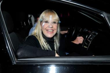 Dorys Del Valle, una de las invitadas que, desde su auto, disfrutó del espectáculo