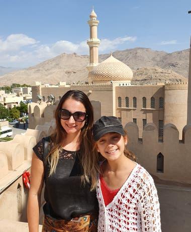 En noviembre de 2010, el Programa de Desarrollo de las Naciones Unidas nombró a Omán, de entre 135 países en todo el mundo, como el país que más había mejorado durante los 40 años precedentes. Según índices internacionales, Omán es uno de los países más desarrollados y estables del mundo árabe.