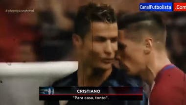 Así fue el violento diálogo entre Cristiano Ronaldo y el Niño Torres en  pleno partido. El cruce entre Cristiano y Torres 1f2e9779baf8d