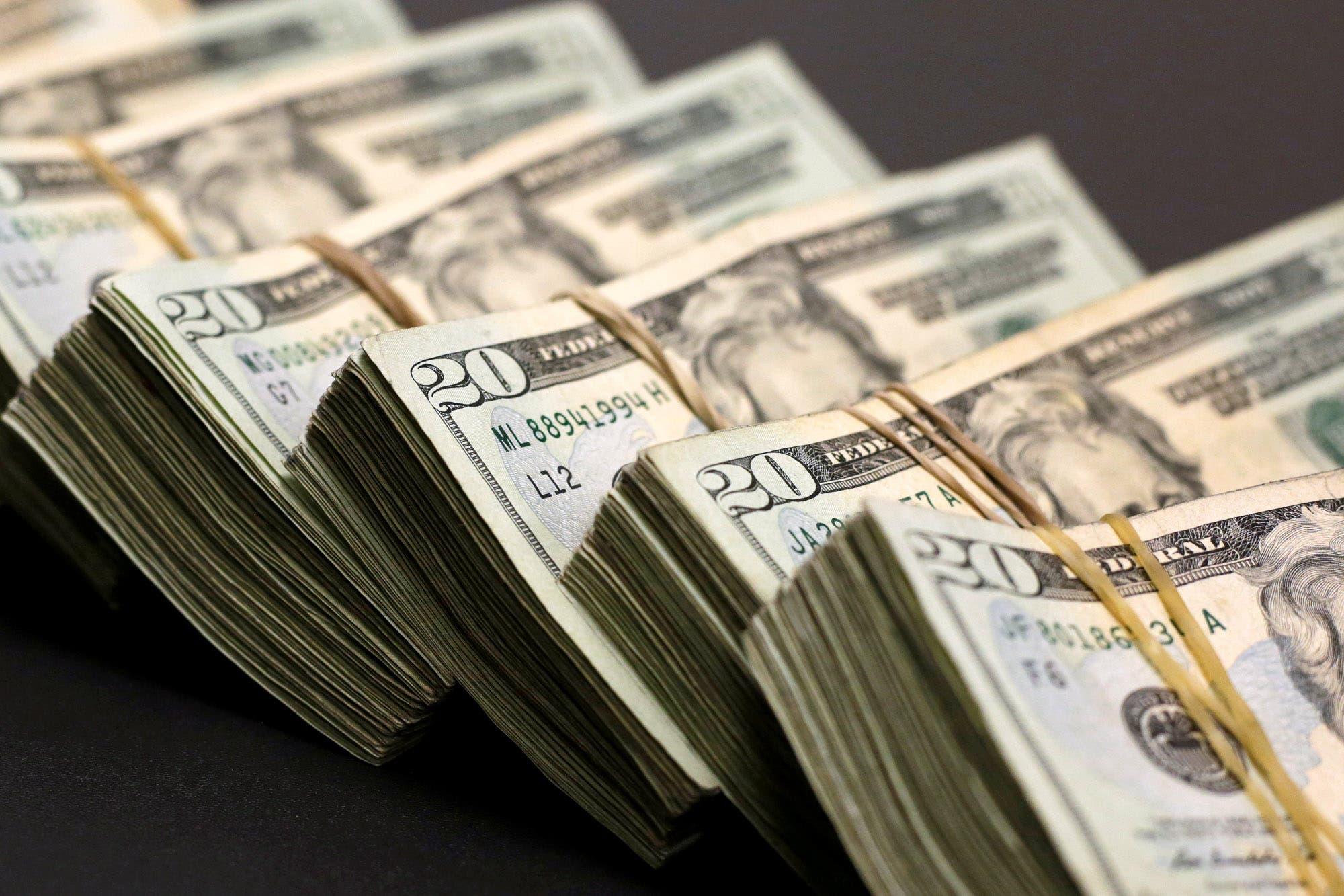 Dólar. El refuerzo del cepo reabrió la salida de depósitos
