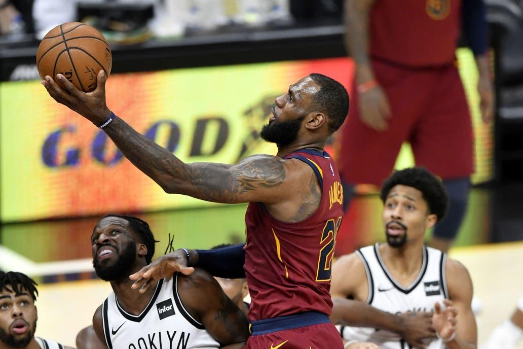 LeBron James cerró el mejor mes de su carrera en la NBA