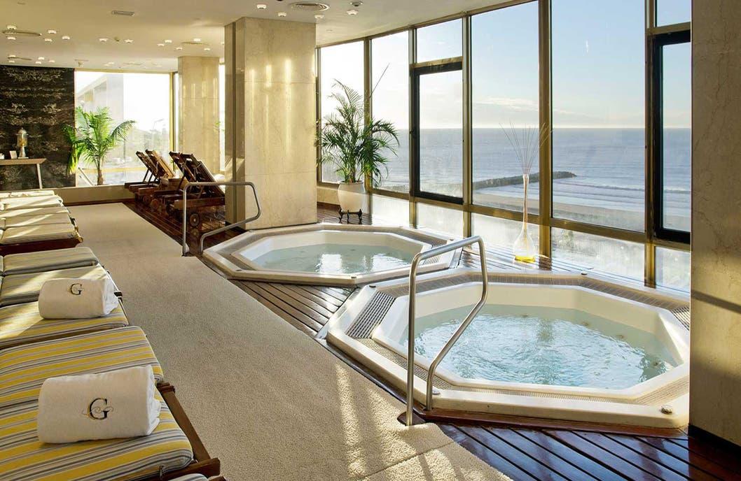 Costa Galana, en Mar del Plata, un hotel reconocido por su spa de mar.