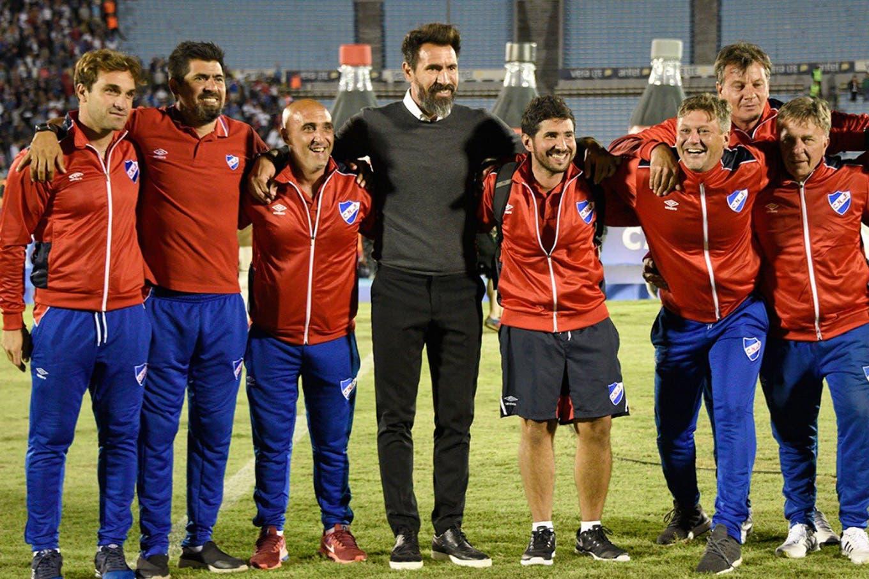 El virrey Bianchi festejó otra copa: como suegro de Eduardo Domínguez, DT de Nacional, que ganó el clásico uruguayo