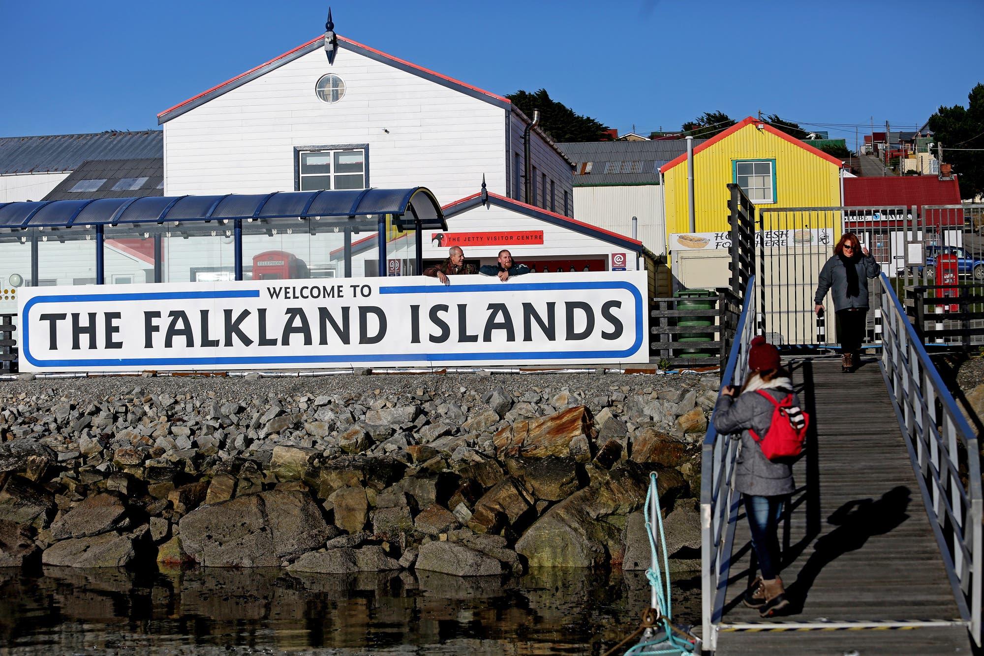 Afip. Los pasajes de avión a las Malvinas no pagarán el impuesto al dólar