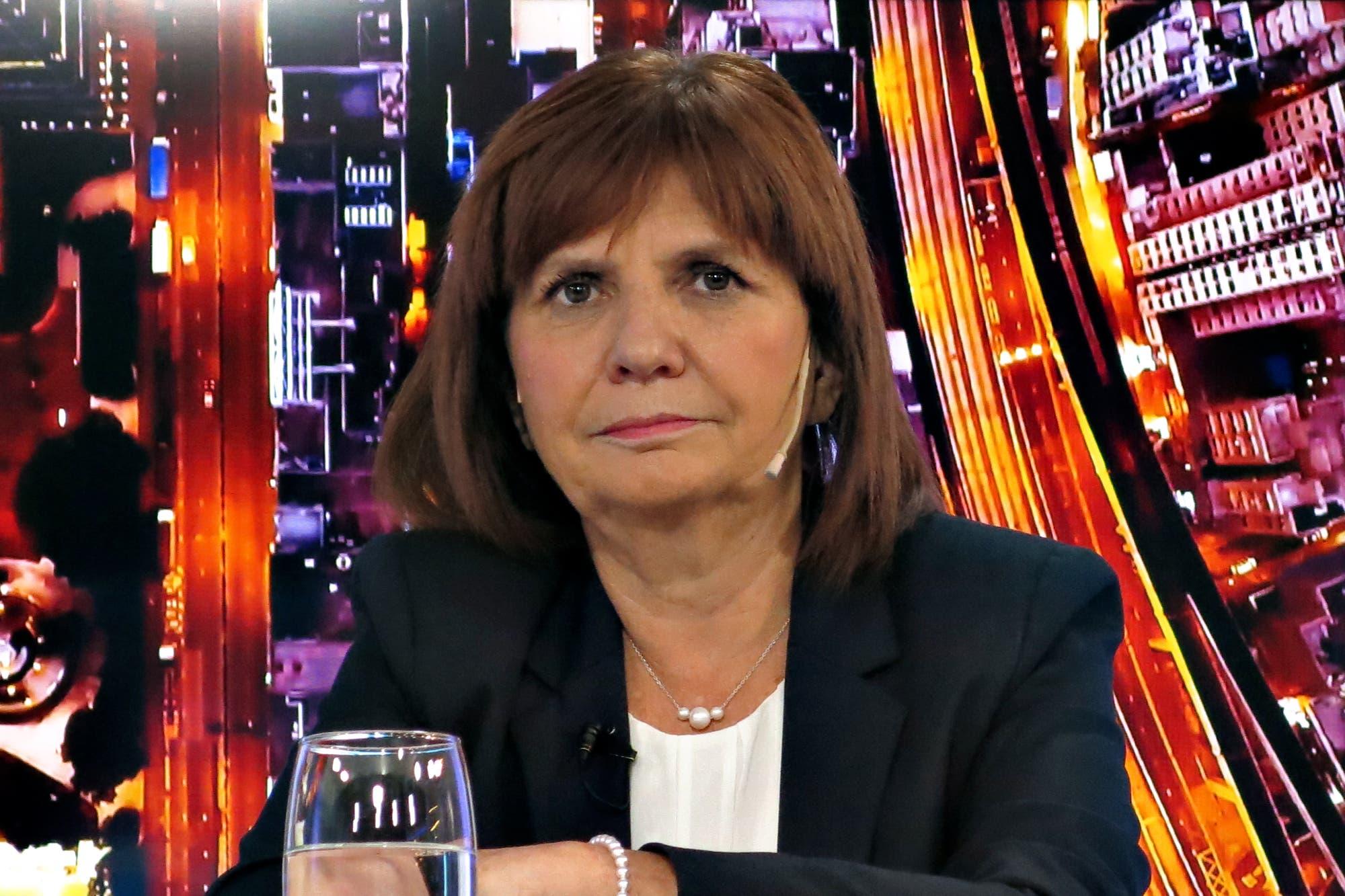 Patricia Bullrich relacionó los incidentes en el consulado con el kirchnerismo