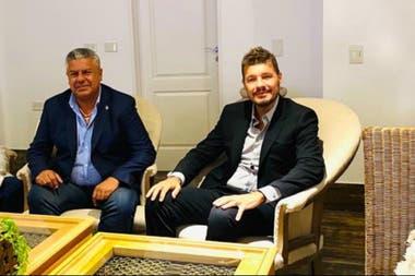 Claudio Tapia, presidente de la AFA, y Marcelo Tinelli, su par de la Liga Profesional y de San Lorenzo, hicieron las gestiones para que la mayoría de los 24 clubes de la A aprobara el viernes la rescisión del contrato con Fox Sports.
