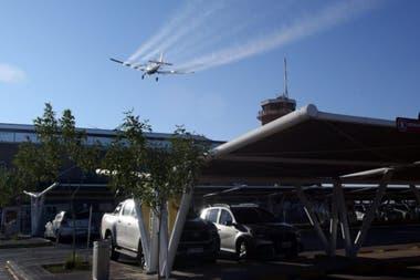 La desinfección la hizo un avión Cessna 188 sobre el aeropuerto de Mendoza