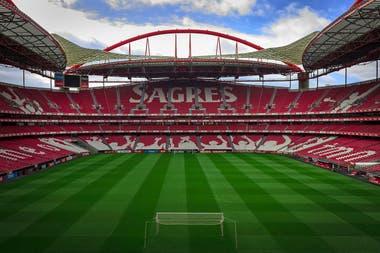 El Estadio da Luz será una de las sedes de la etapa final de la Champions League