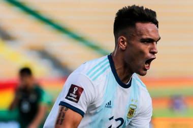 El VAR se tomó casi cuatro minutos para determinar si Lautaro Martínez estaba en offside en el segundo gol argentino, convertido por Correa