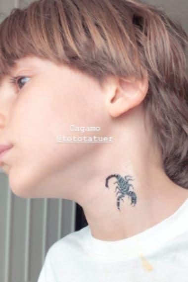 El tatuaje temporal del hermano menor de Cande Tinelli