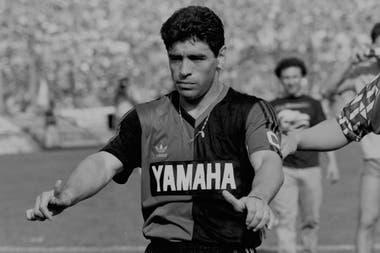 Su debut en Newell´s, en octubre de 1993, tras cumplir la suspensión impuesta por FiFA