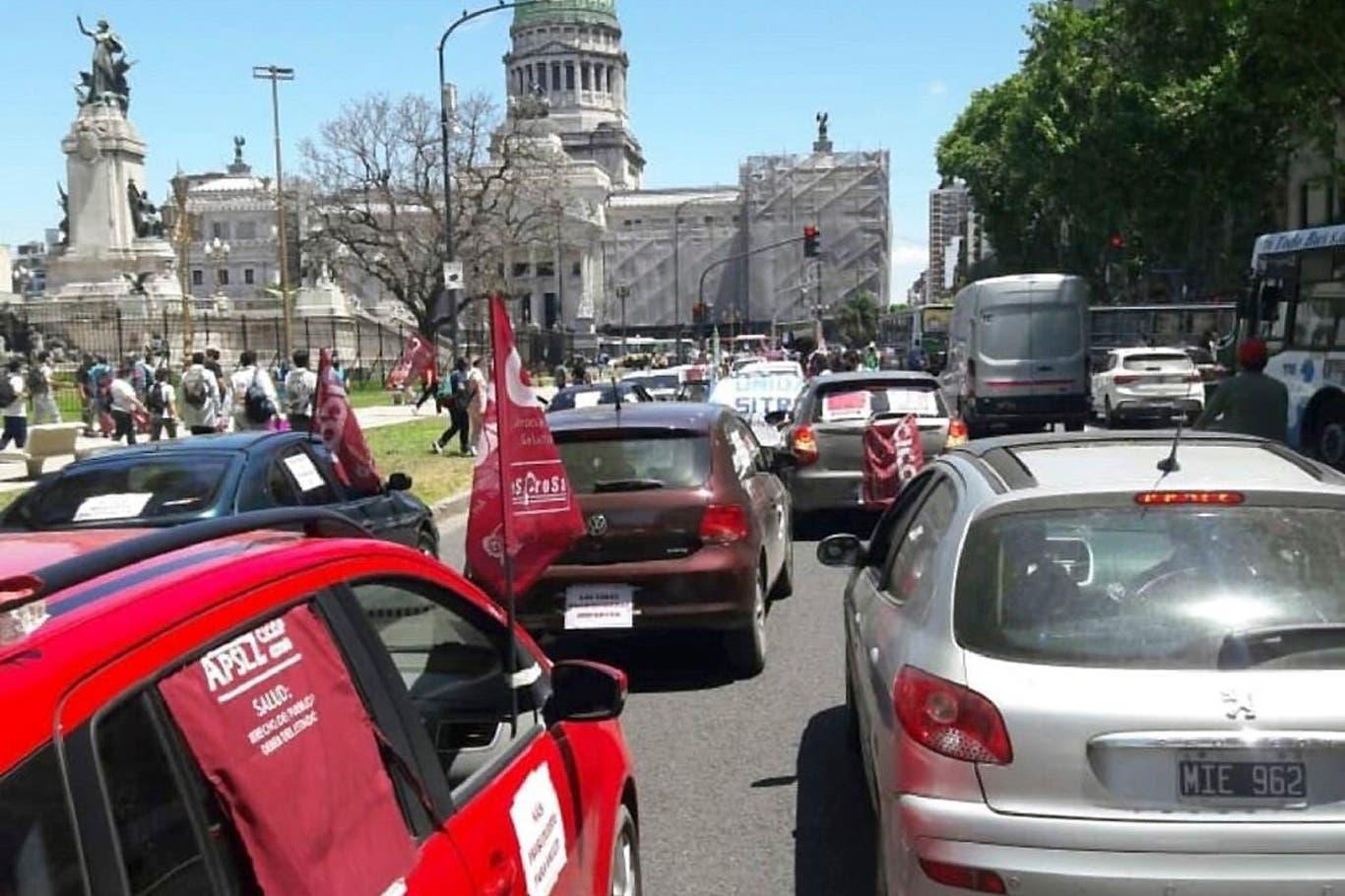Tensión: el personal de salud de la provincia de Buenos Aires convoca a un paro contra Axel Kicillof