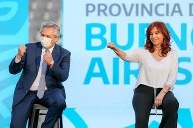El acto que compartieron en La Plata Alberto Fernández y Cristina Kirchner dejó en claro que quedó postergado el giro ortodoxo que tenía previsto el presidente para ordenar las cuentas públicas y cumplir con las metas fiscales