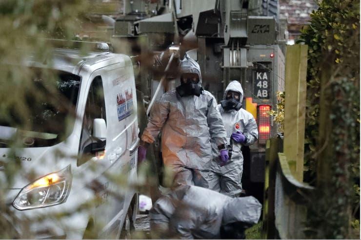 Theresa May expulsa a 23 diplomáticos rusos del Reino Unido tras el ataque con veneno al exespía