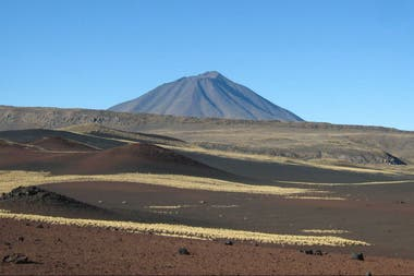 Volcanes de la Payunia, en Mendoza, donde se encuentra trabajando Corina Risso