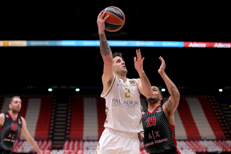Euroliga: Nicolás Laprovvitola, la figura en el triunfo de Real Madrid ante Olimpia Milano, un partido sin hinchas por el coronavirus