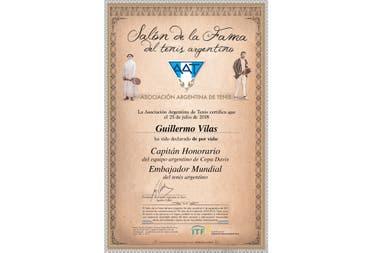 El diploma para Vilas: Capitán Honorario del equipo de Copa Davis y Embajador Mundial del tenis nacional.