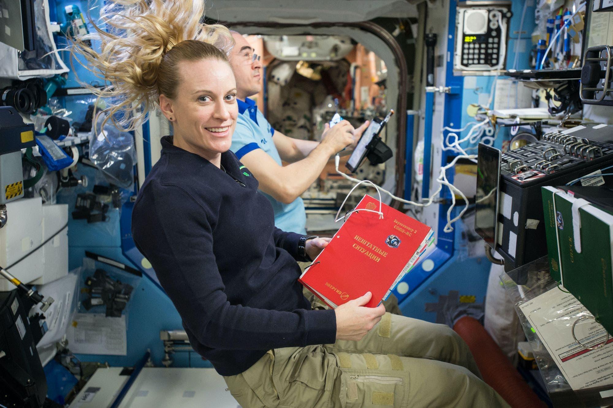 Cómo mejorar tu postura frente a la computadora gracias a los astronautas