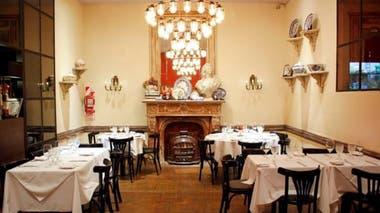 En este clásico de Recoleta puede encontrarse la increíble Mila Mila, milanesa de lomo con tomate, queso fresco y aceite de oliva