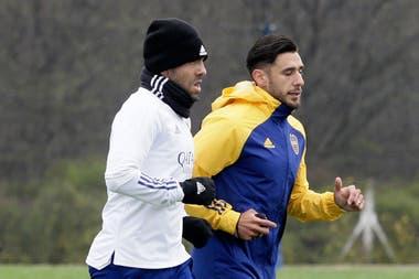 Carlos Tevez y Eduardo Salvio, dos cartas ganadoras de Boca, que se clasificó sin problemas a los octavos de final de la Copa Libertadores y que ahora aspirará a ganar la Copa de la Liga Profesional.