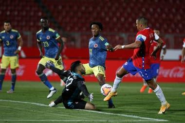 Alexis Sánchez volvió a convertir para Chile; esta vez, frente a Colombia, al menos le sirvió para que Chile rescatara un punto.