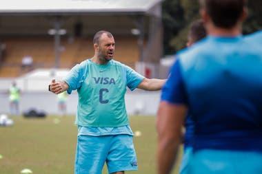 El australiano Michael Cheika, uno de los responsables en la conducción del grupo
