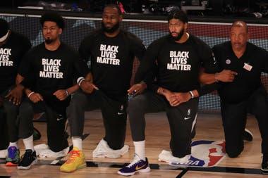 LeBron James, en una de sus protestas por la violencia racial
