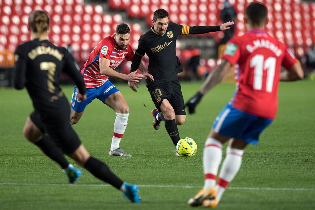 Granada - Barcelona: con dos golazos de Lionel Messi, los catalanes golean y se acercan a la punta de la Liga de España - LA NACION