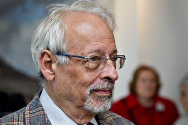 Horacio Verbitsky contó que recibió la vacuna en el Ministerio de Salud y desató el escándalo