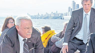 Tom Hanks en Sully, hazaña en el Hudson, de Clint Eastwood