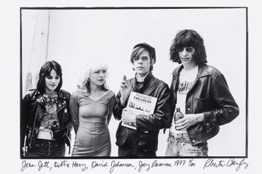 Joan Jett, Debbie Harry, David Johansen de New York Dolls y Joey Ramone, fotografiados por Roberta Bayley