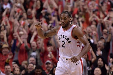 Kawhi Leonard, imparable ante Milwaukee Buks