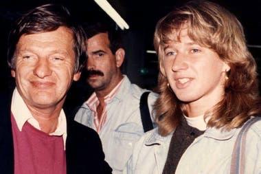Steffi Graf junto con su padre, Peter, que actuó como manager de su hija y fue condenado por evadir impuestos