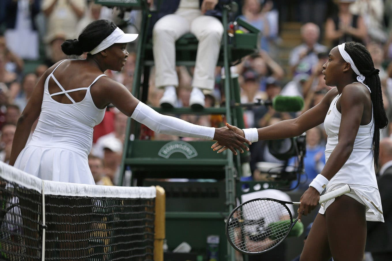 """Venus Williams perdió contra """"su doble"""" de 15 años: Cori Gauff dio el gran golpe en la primera rueda de Wimbledon"""