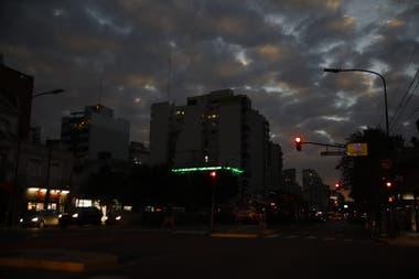 En la ciudad de Buenos Aires el cielo se oscureció y se hizo de noche