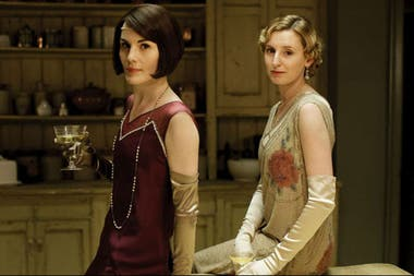 Michelle Dockery y Laura Carmichael como las hermanas Lady Mary y Lady Edith
