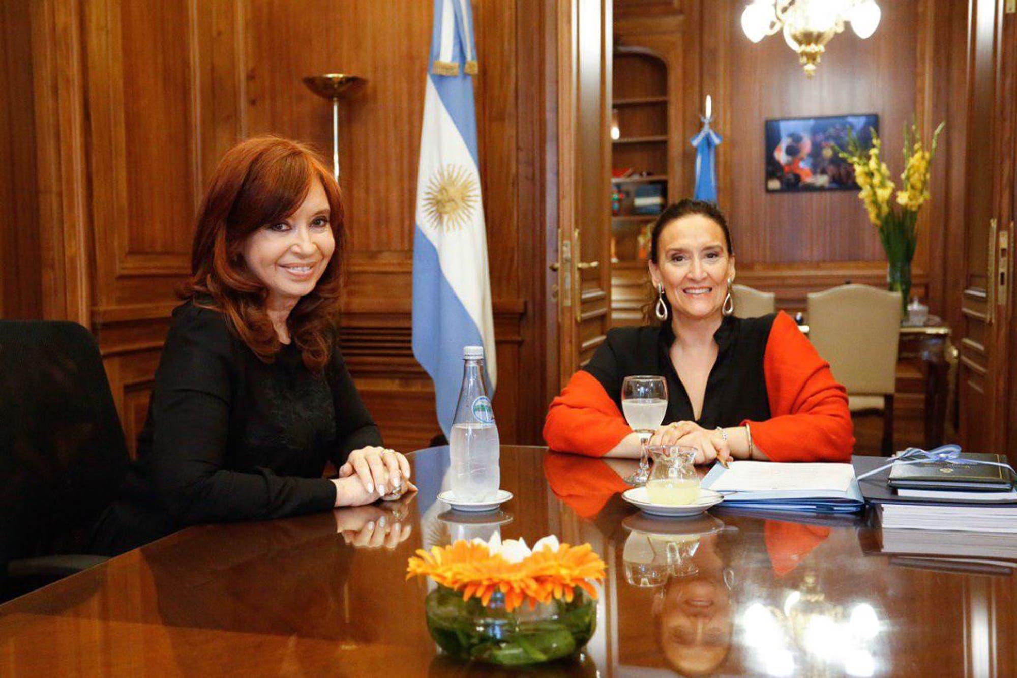 Gabriela Michetti y Cristina Kirchner se reunieron en el Congreso para acordar detalles de la transición