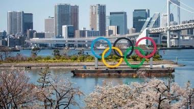 Debido a la pandemia, los organizadores de los Juegos Olímpicos 2020 acordaron aplazar el evento deportivo -que debía realizarse en Tokio- por un año