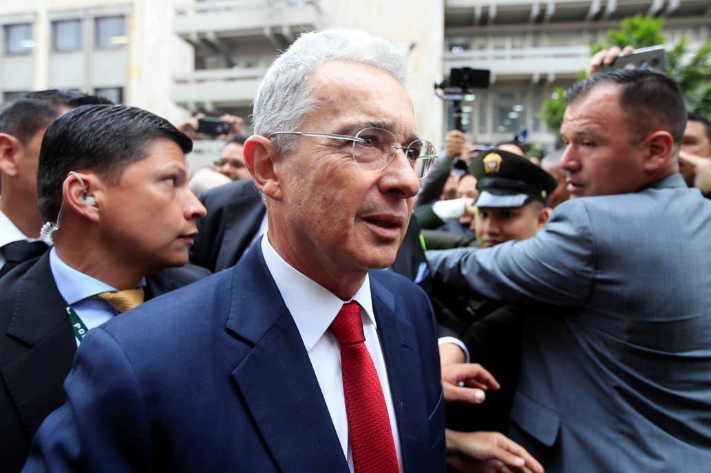 Colombia: la detención de Uribe complica el frente interno de Duque