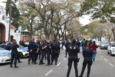 La protesta de la policía bonaerense se trasladó hoy a la Quinta de Olivos