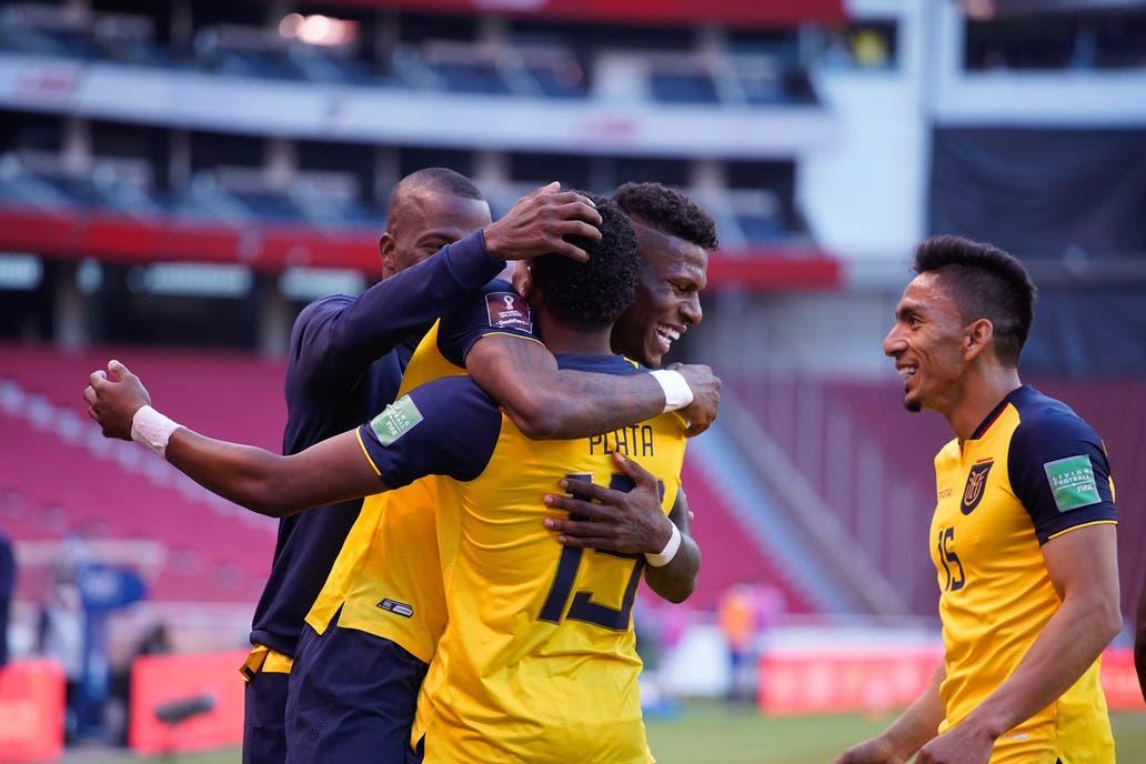 Ecuador-Uruguay: el equipo de Alfaro se hizo fuerte y venció 4 a 2 a la  Celeste en Quito - LA NACION